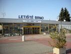 Vstup do příletové haly Mezinárodního letiště Brno-Tuřany