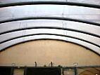 Ocelová konstrukce střechy dvora Nosticova paláce již s instalovanou přetlakovou ETFE folií