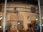 Předepínání ocelové konstrukce pomocí nerezových lan Macalloy a tenzometrů
